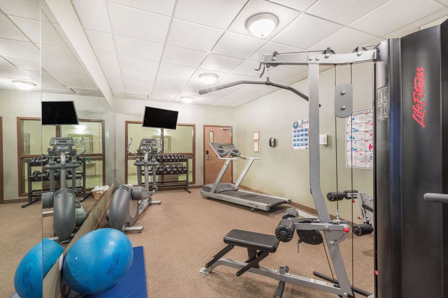 Fitness/ Exercise Room - Ramada Inn Clairmont