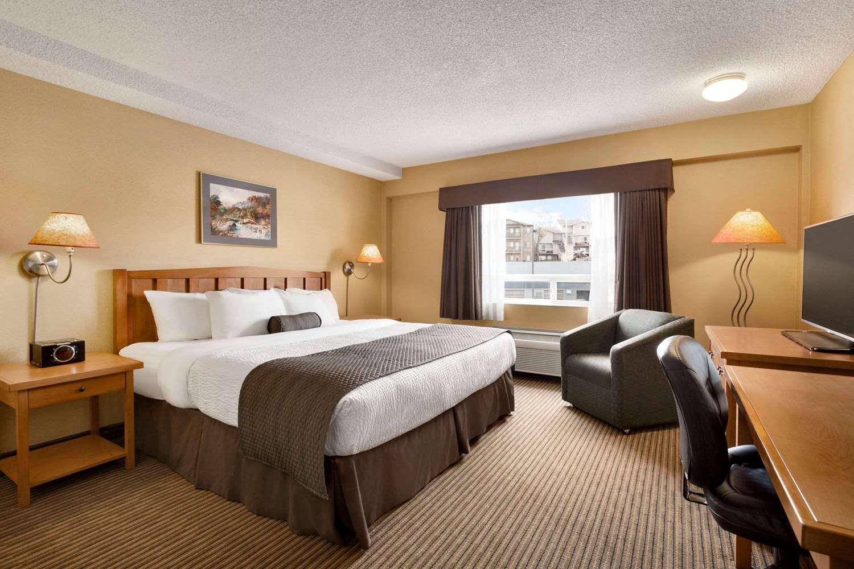 Room - Days Inn South Calgary