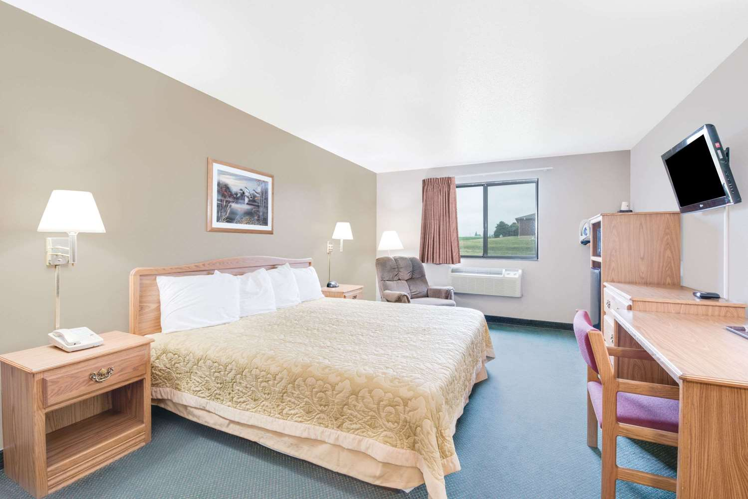 Room - Super 8 Hotel Sisseton