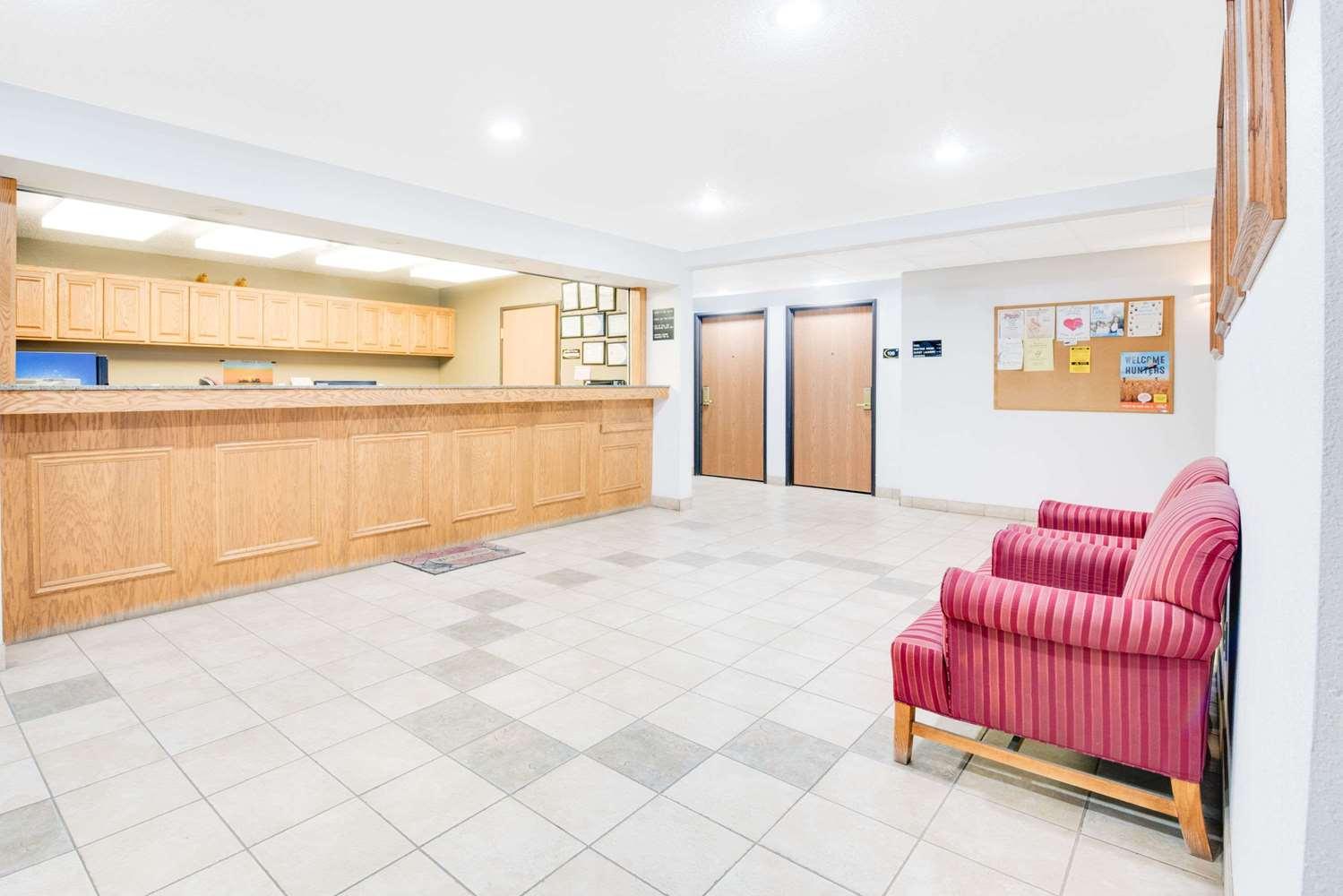 Lobby - Super 8 Hotel Sisseton