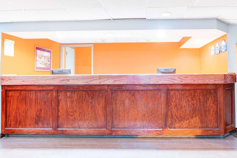 Lobby - Days Inn Greenville