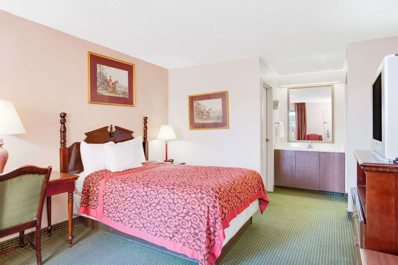 Room - Days Inn Greenville