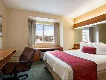 Suite - Days Inn & Suites Lafayette