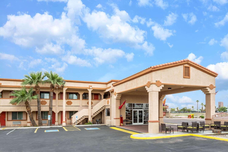 Exterior view - Super 8 Hotel Downtown Phoenix