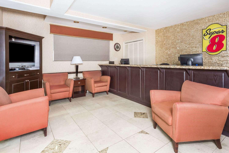 Lobby - Super 8 Hotel Downtown Phoenix