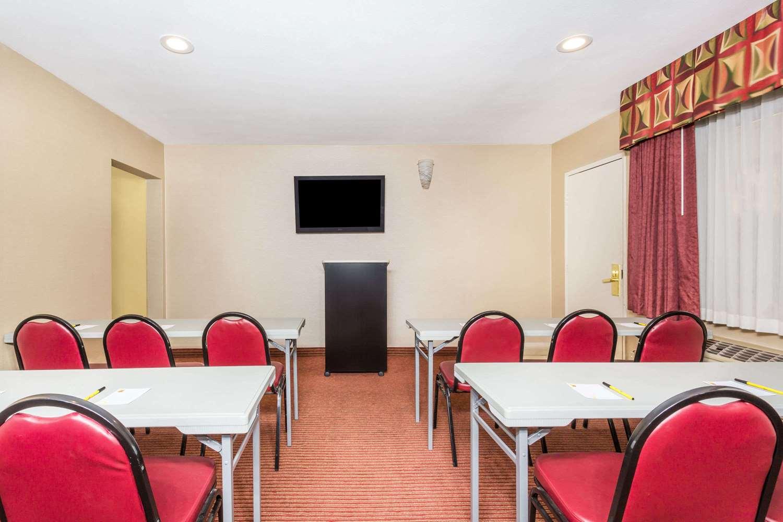 Meeting Facilities - Super 8 Hotel Downtown Phoenix