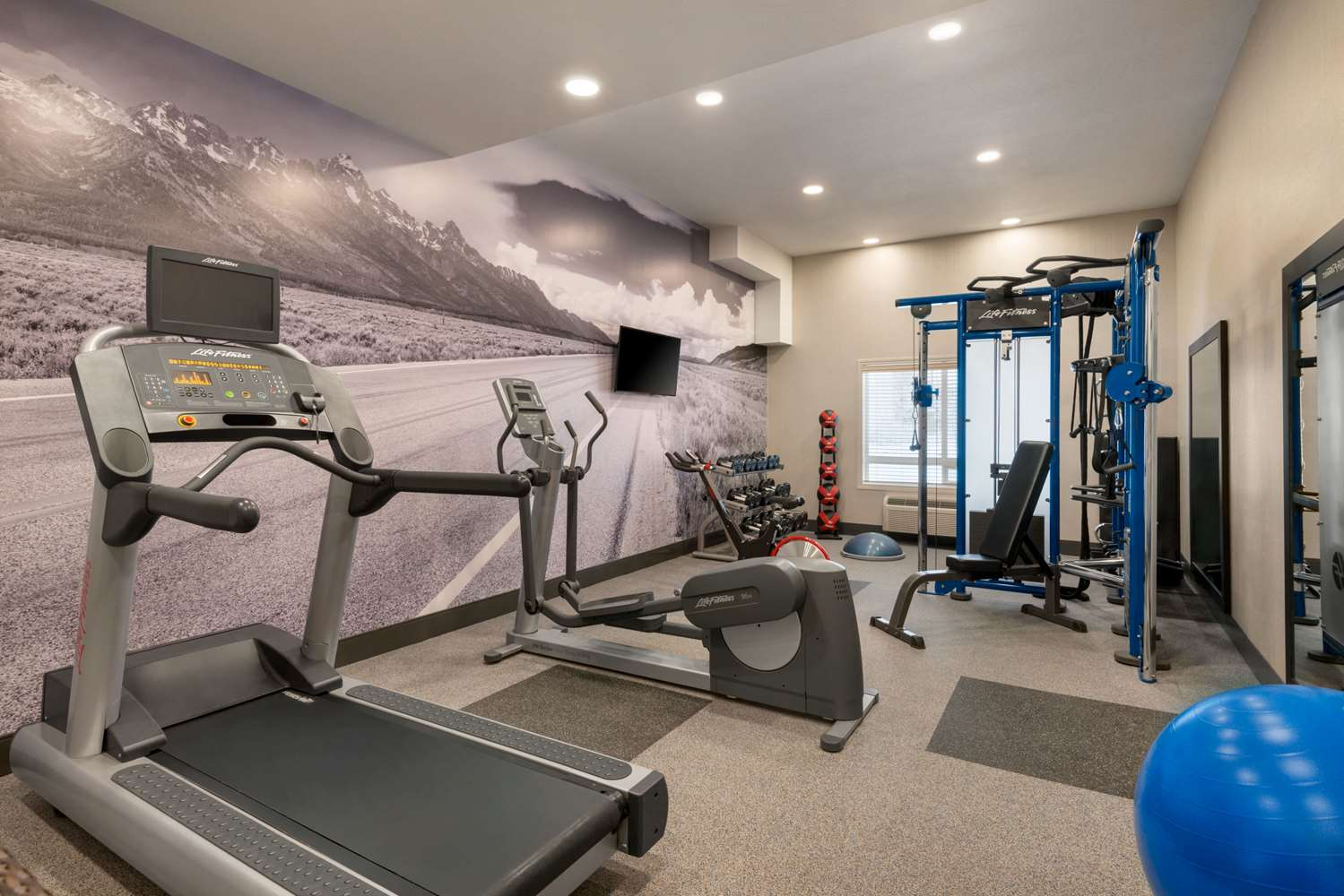 Fitness/ Exercise Room - Ramada Inn & Suites Airdrie