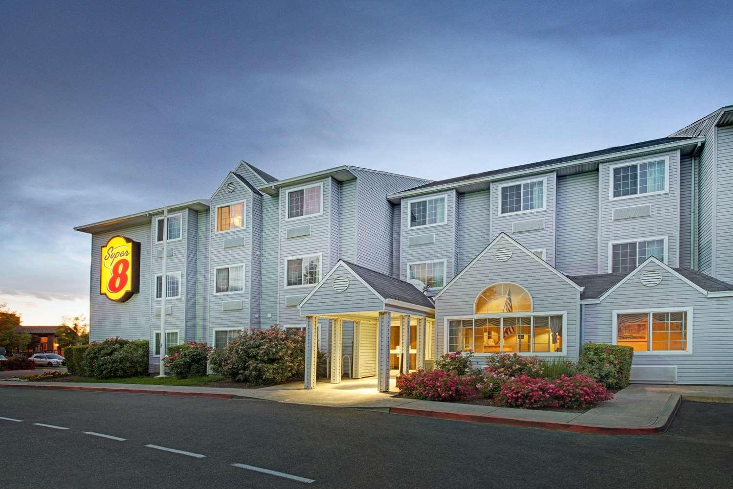 Exterior view - Super 8 Hotel SMF Airport Sacramento