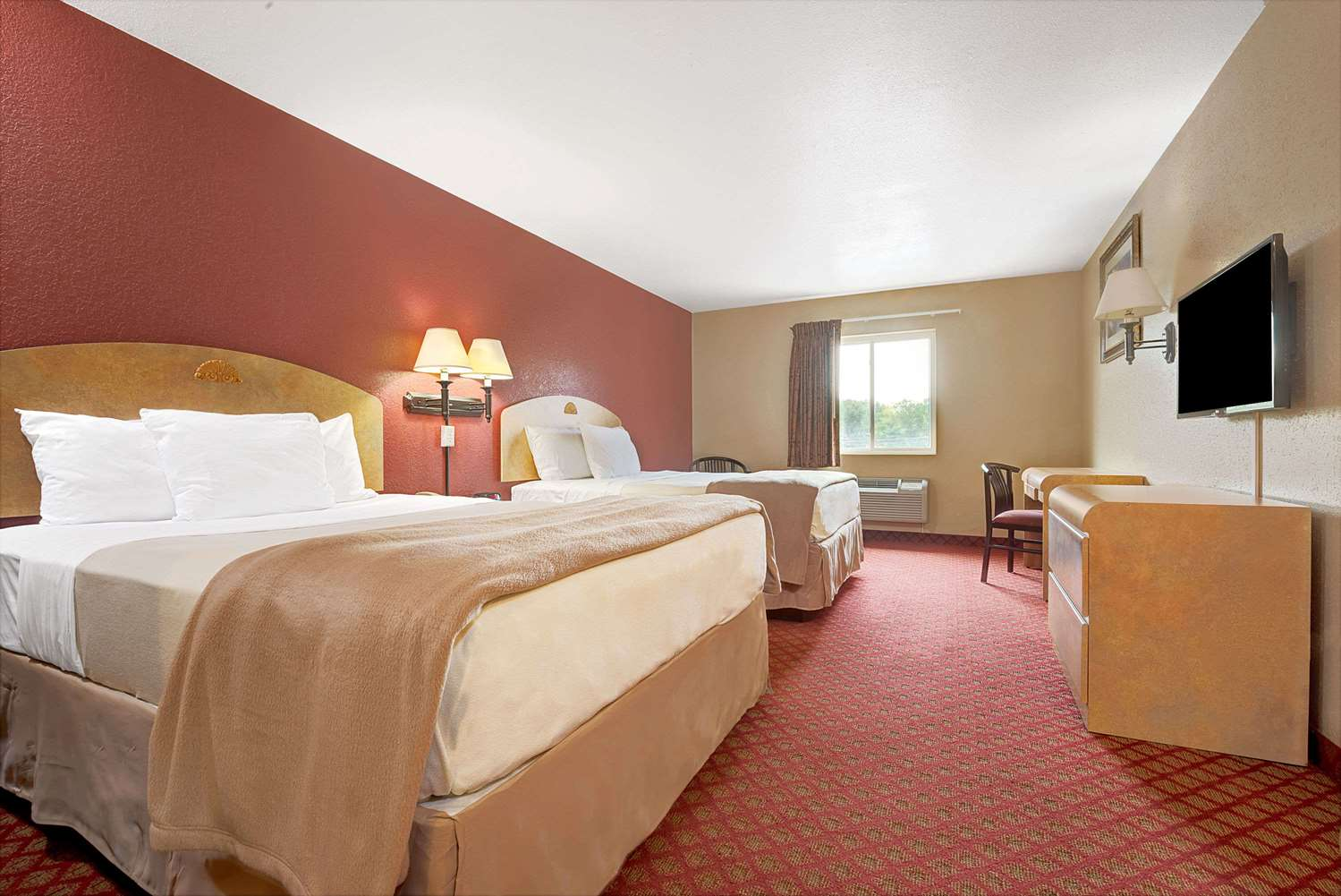 Room - Days Inn Niagara Falls