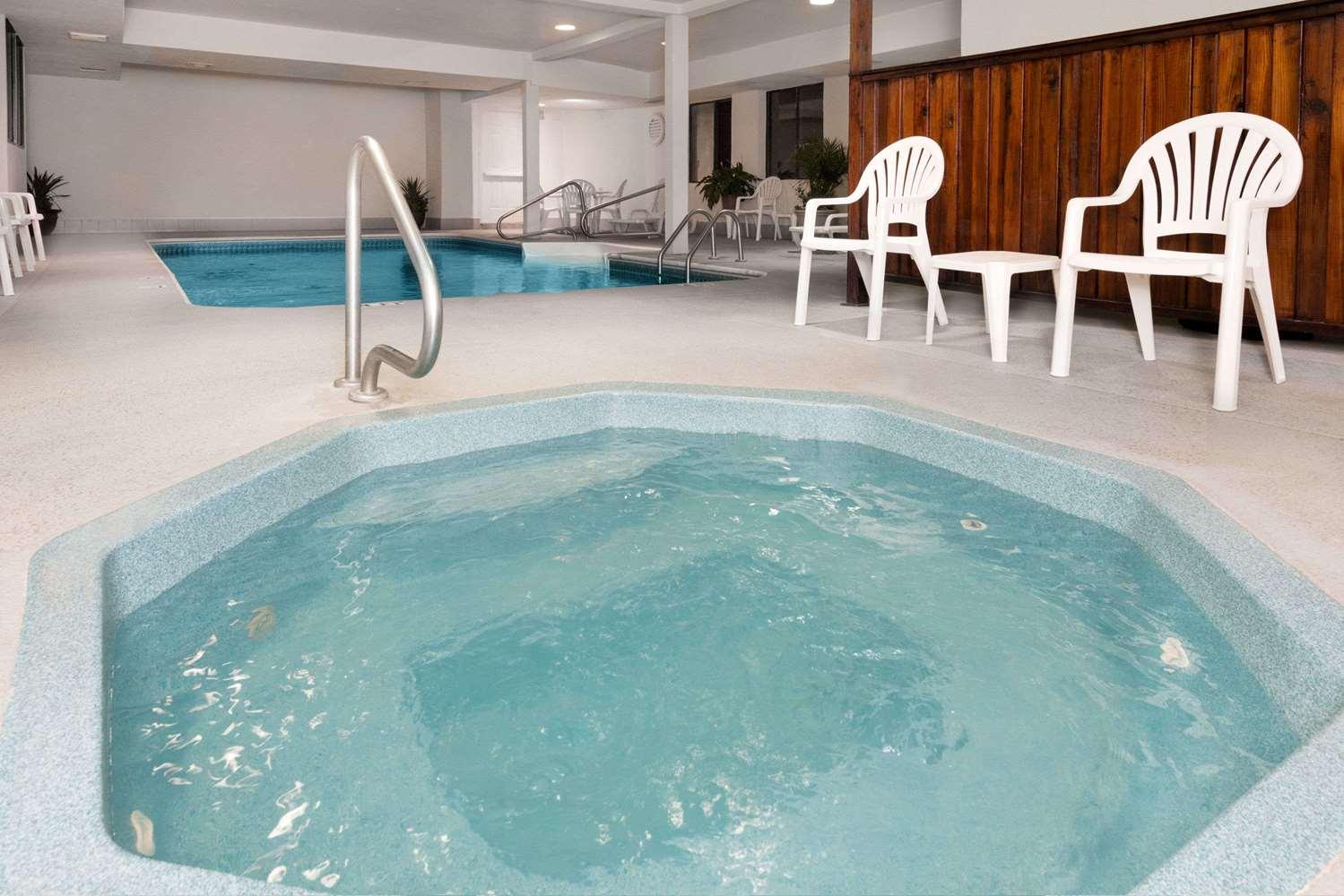 Pool - Days Inn Liberal