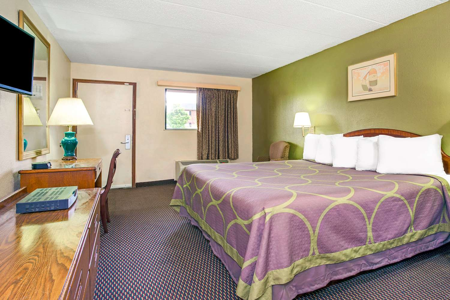 Room - Super 8 Hotel Fort Mitchell
