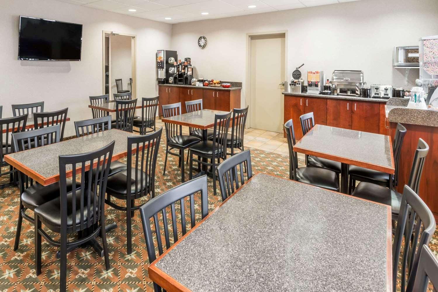 proam - Super 8 Hotel City Centre Red Deer