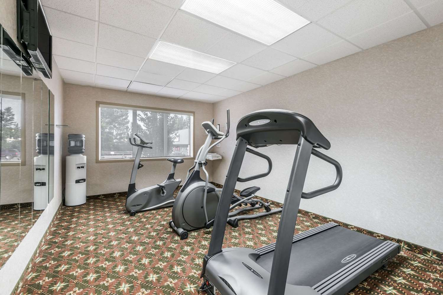 Fitness/ Exercise Room - Super 8 Hotel City Centre Red Deer