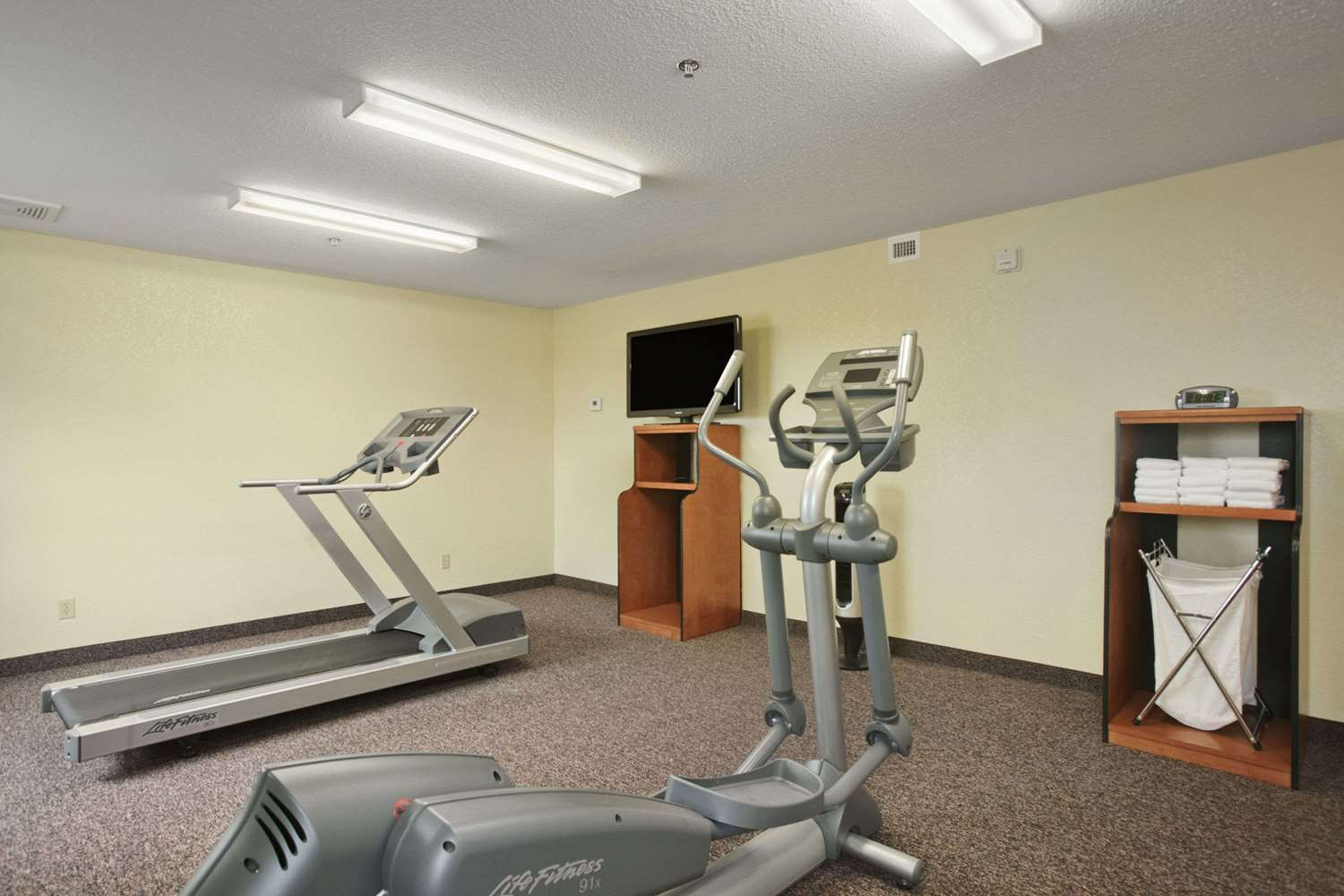Fitness/ Exercise Room - Days Inn Thompson