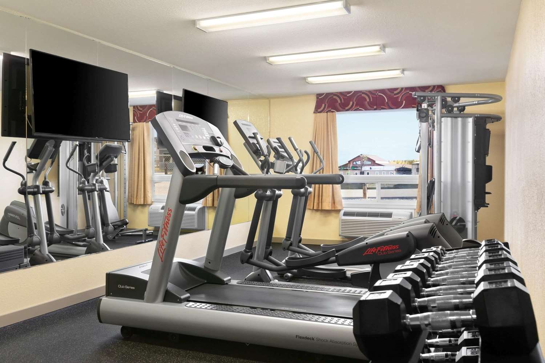 Fitness/ Exercise Room - Days Inn Thompson