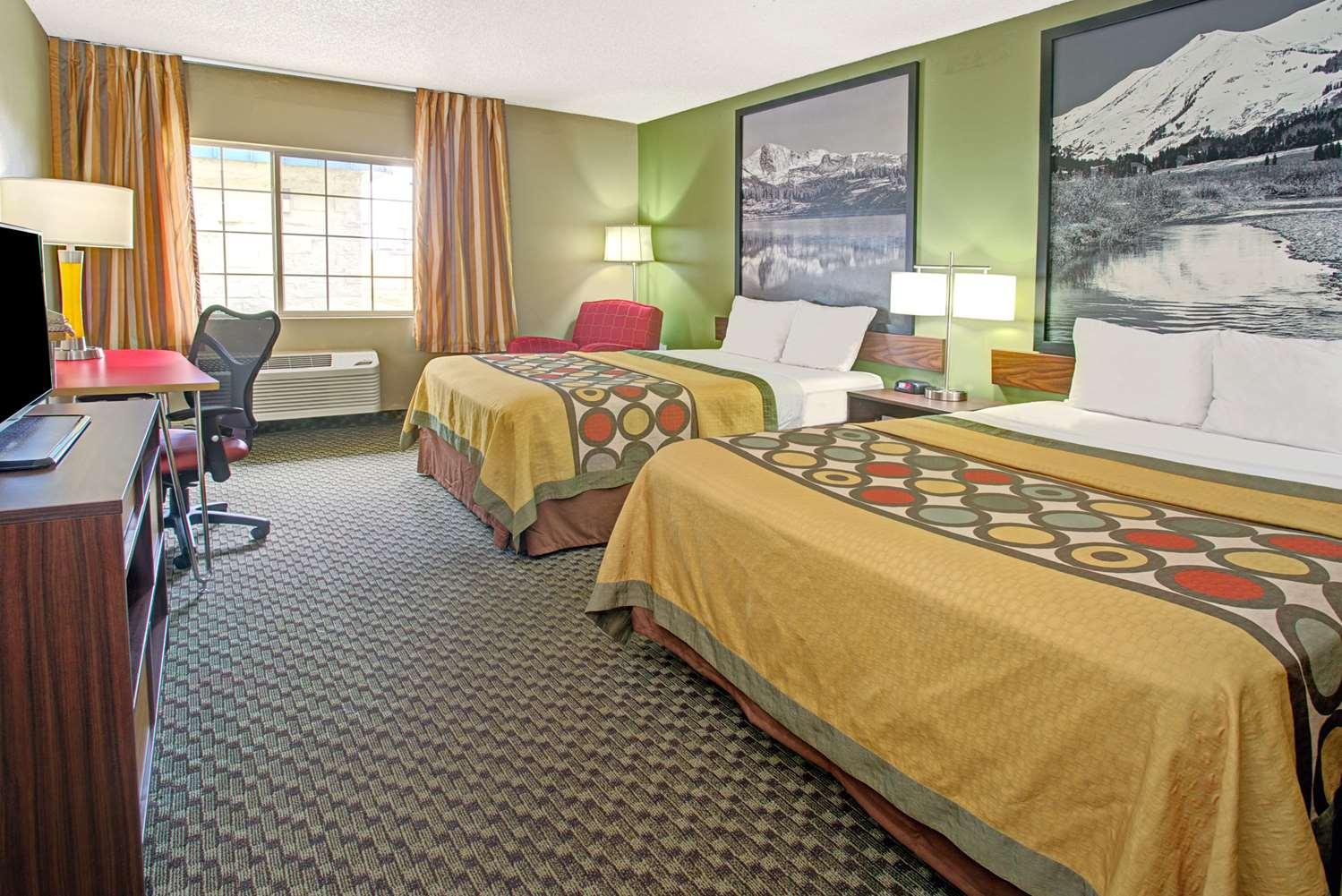 Room - Super 8 Motel Wheat Ridge