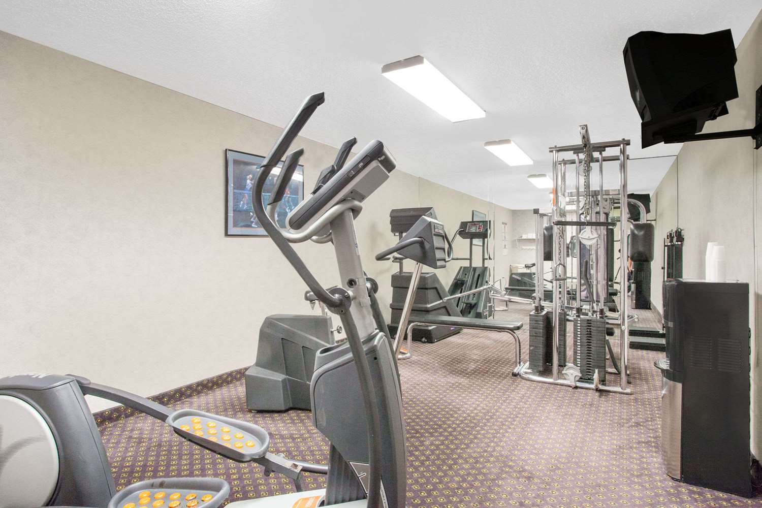 Fitness/ Exercise Room - Days Inn Perryville