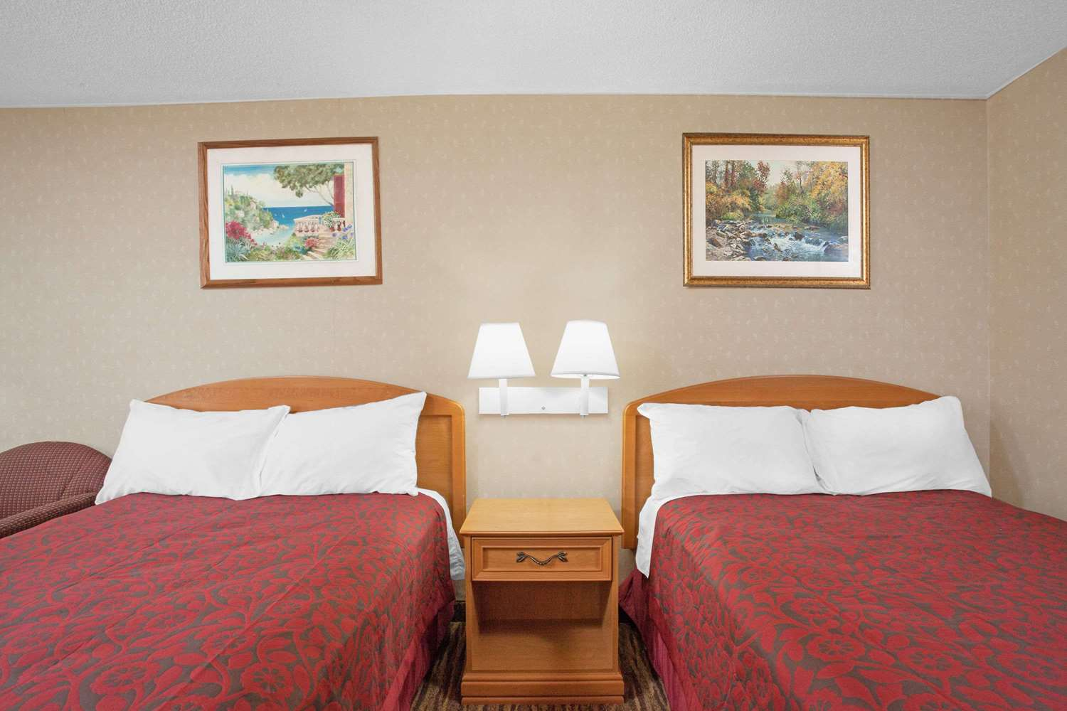 Room - Days Inn Perryville