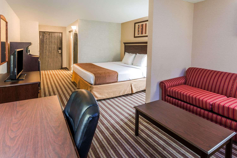 Suite - Days Inn Vancouver