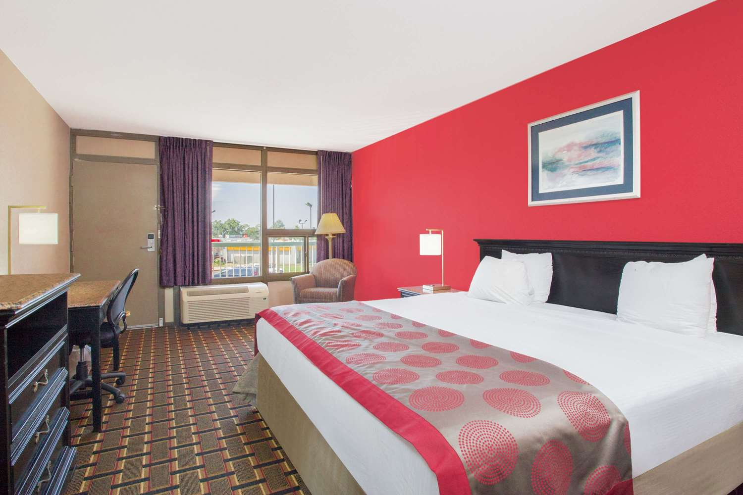 Room - Ramada Hotel & Conference Center Edgewood