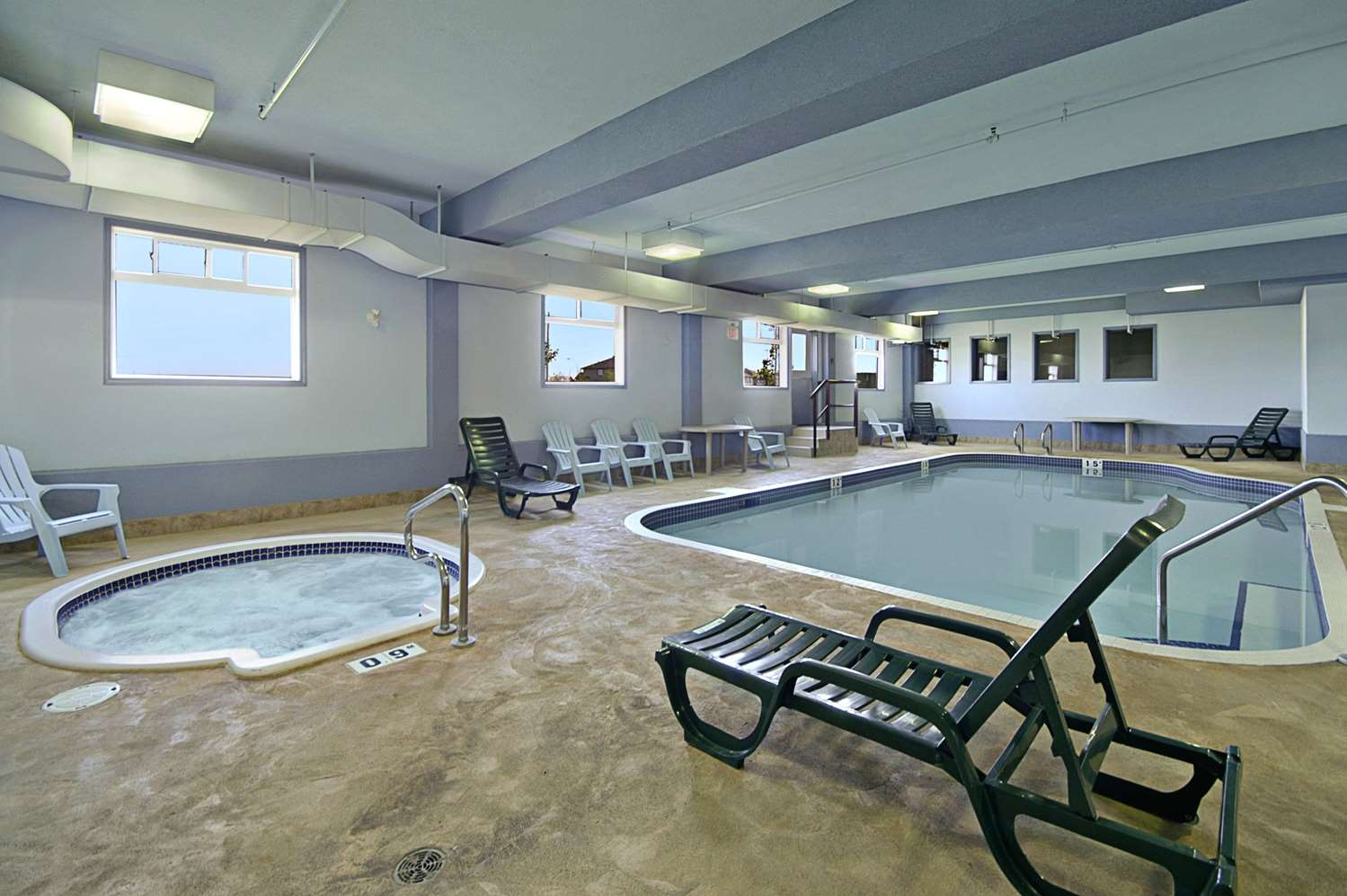 Pool - Super 8 Hotel Fort Saskatchewan