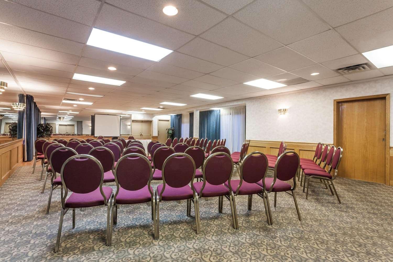 Meeting Facilities - Ramada Inn Coquitlam