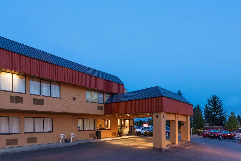 Exterior view - Ramada Inn Coquitlam
