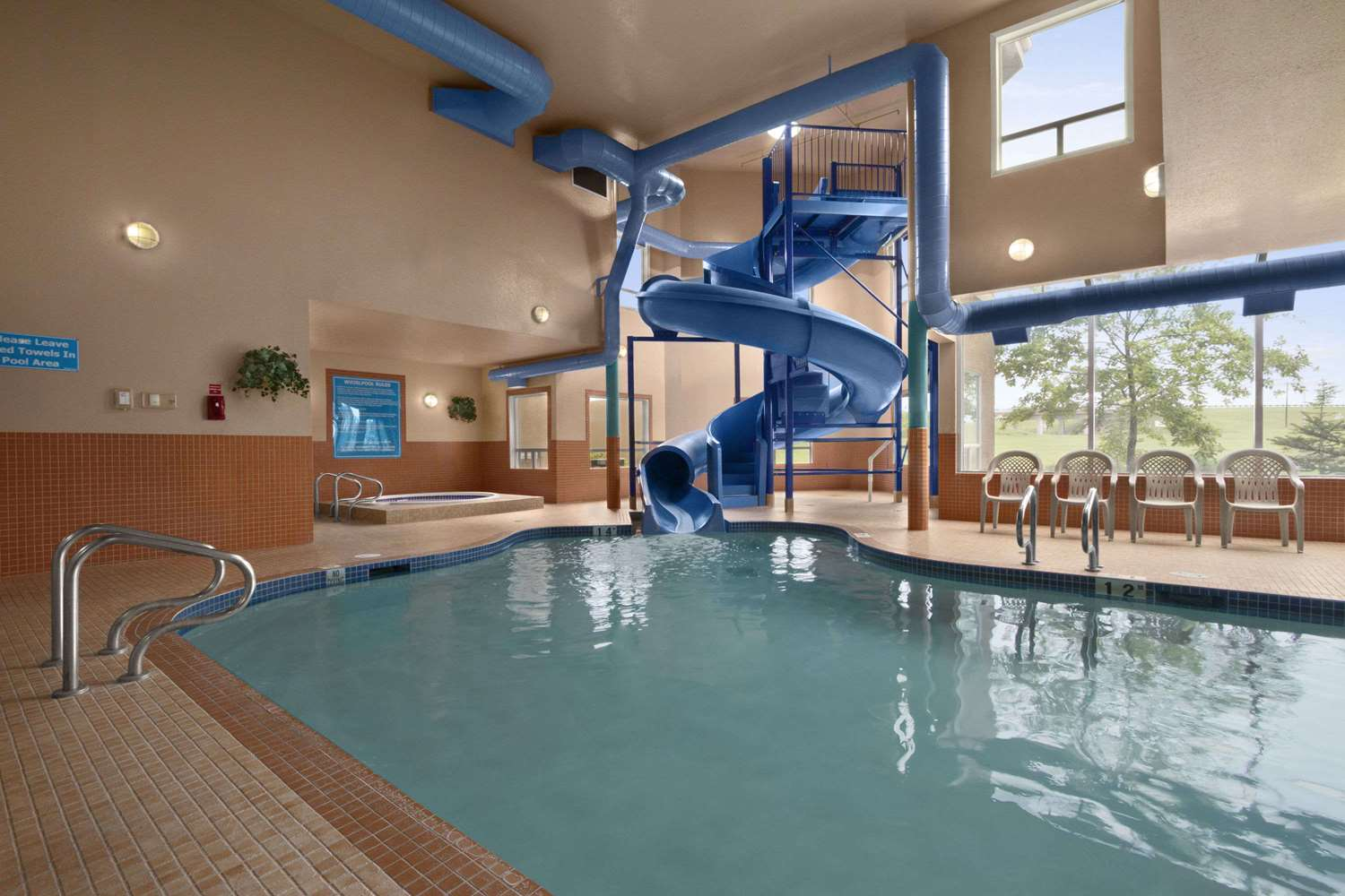 Pool - Days Inn Red Deer