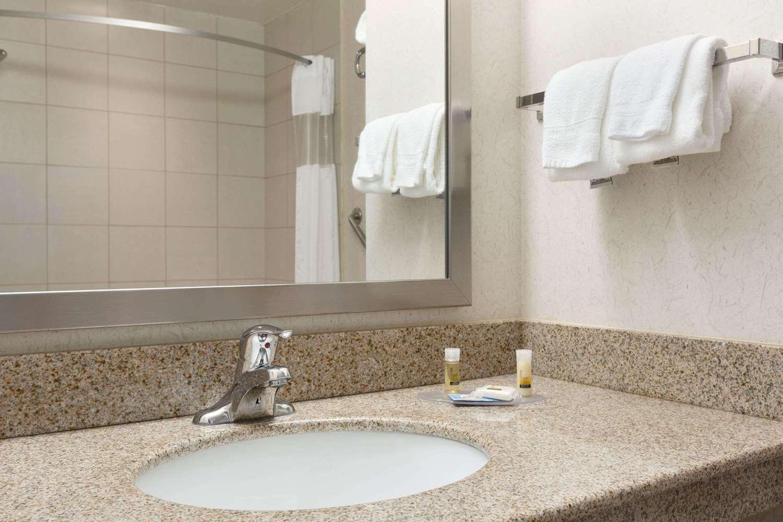 Collingwood Hotels Cheap Rates