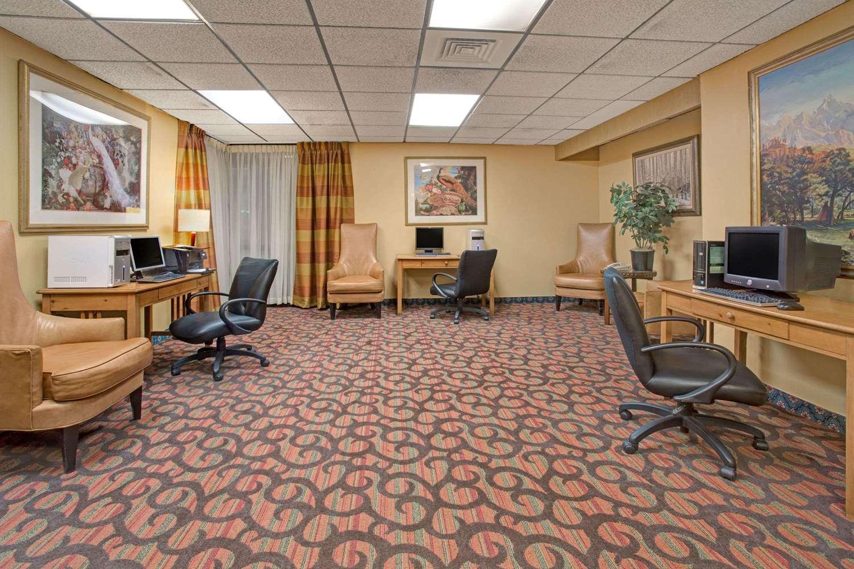 Conference Area - Ramada Plaza Hotel Northglenn