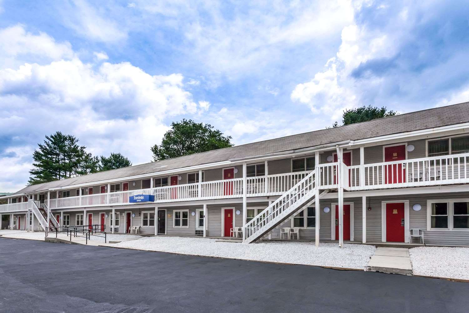 Exterior view - Travelodge Great Barrington
