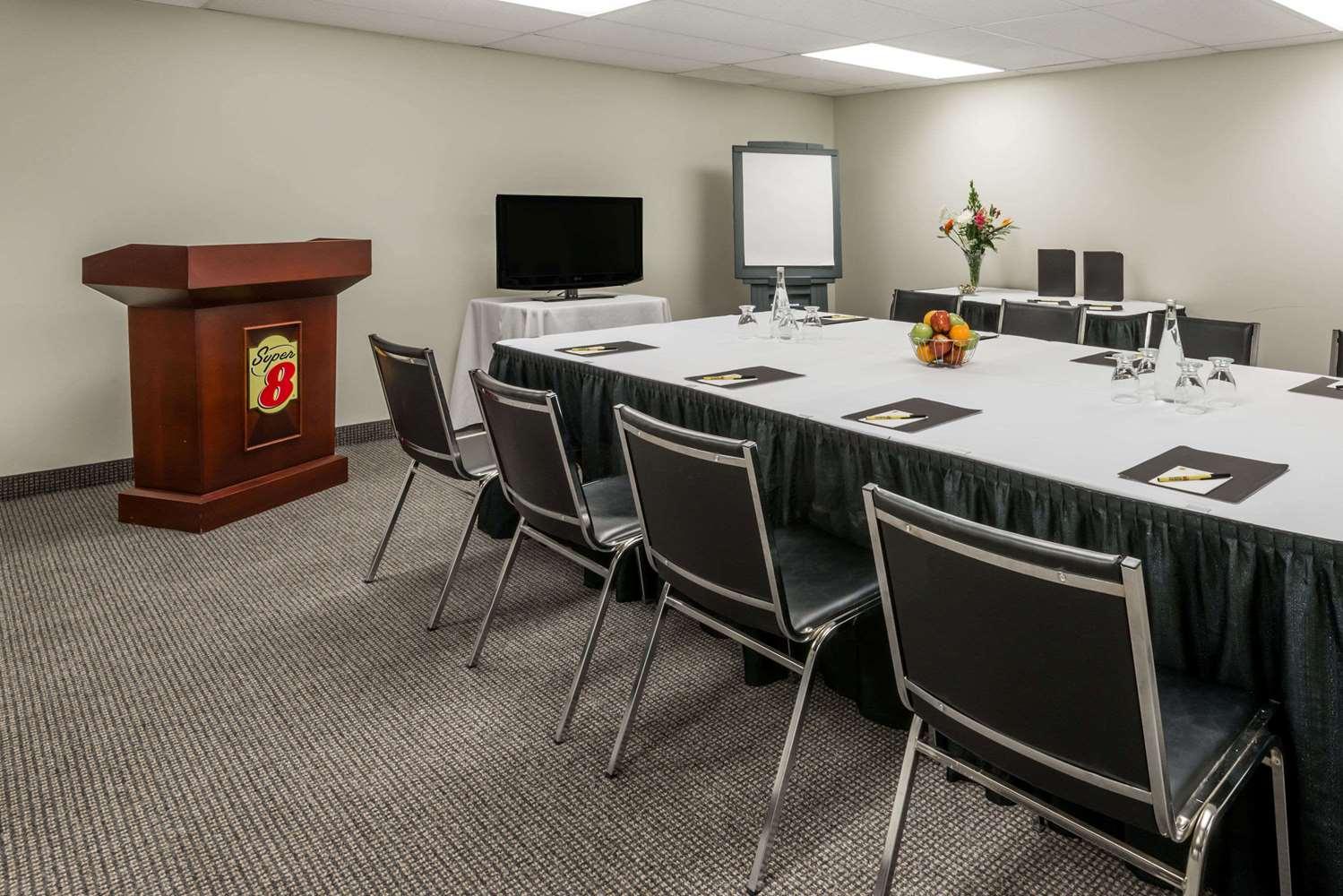 Meeting Facilities - Super 8 Hotel Downtown Toronto