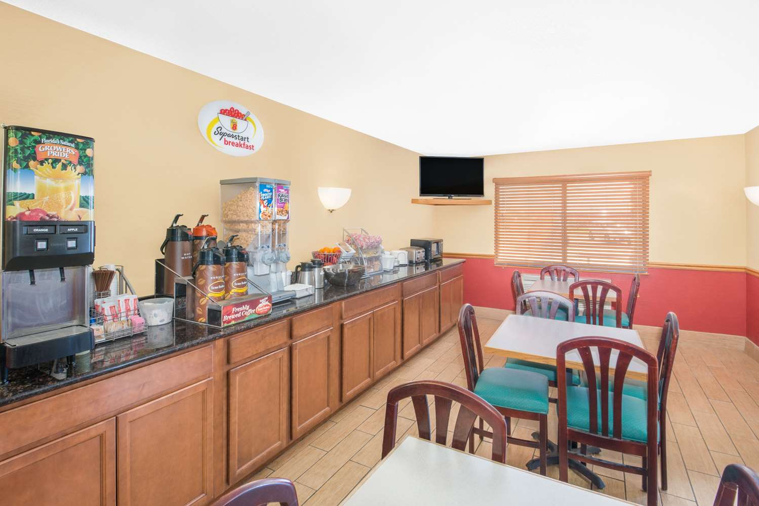 proam - Super 8 Hotel Marshalltown