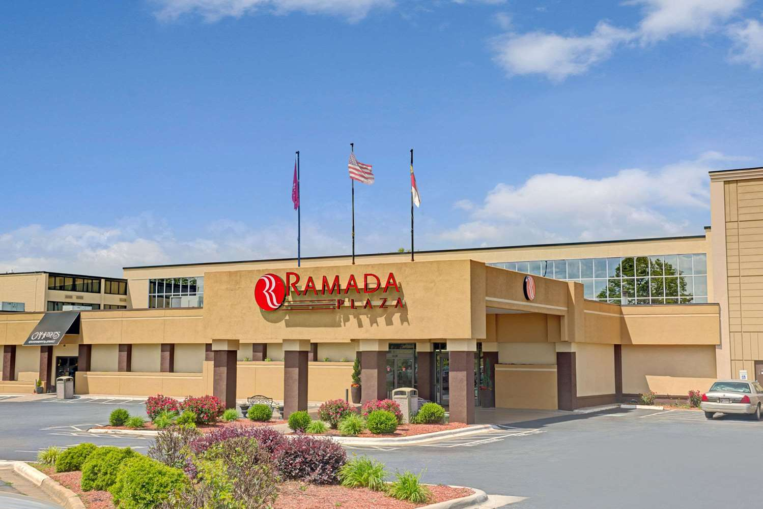 Exterior view - Ramada Plaza Hotel & Conference Center Airport Charlotte