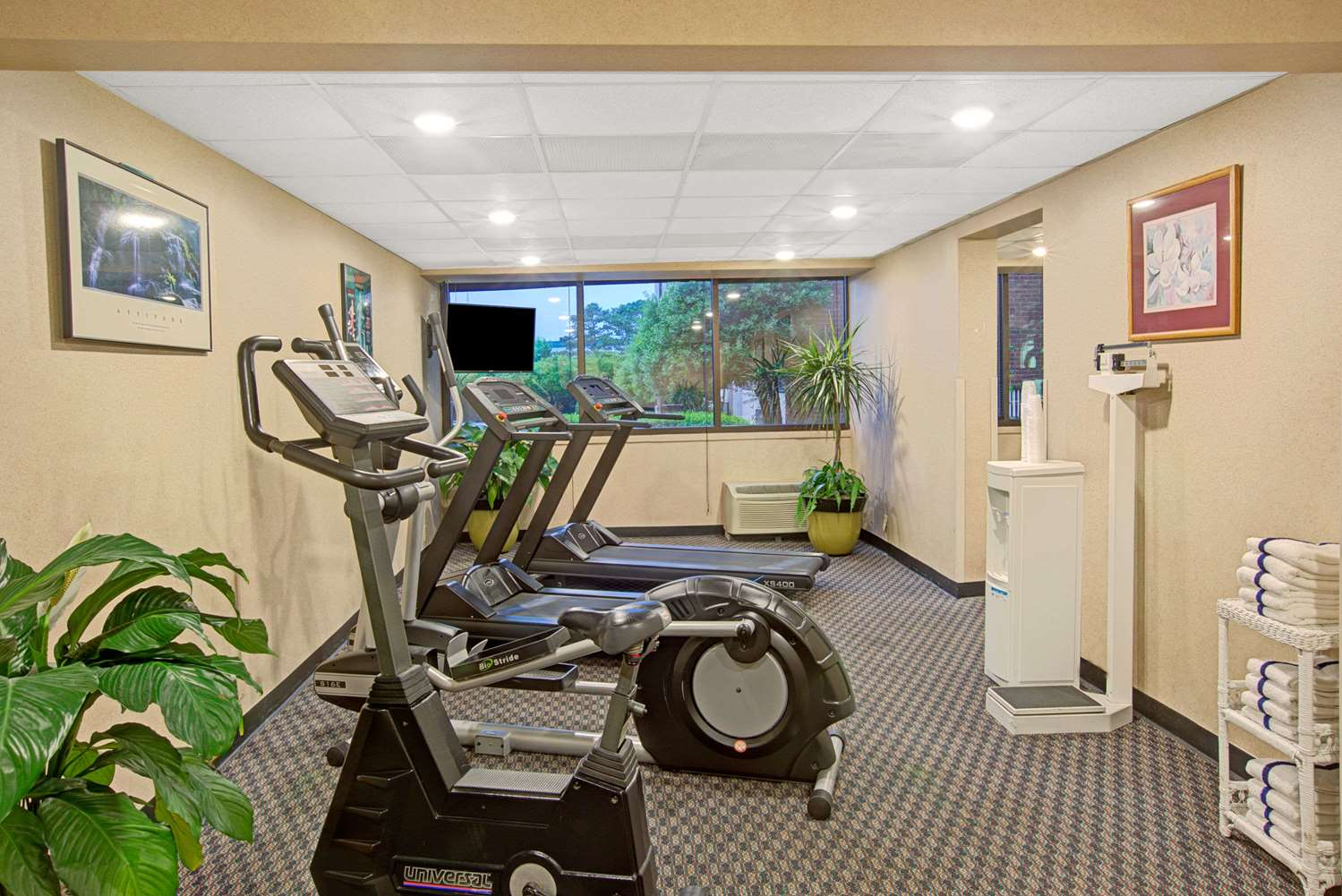 Fitness/ Exercise Room - Ramada Plaza Hotel & Conference Center Airport Charlotte