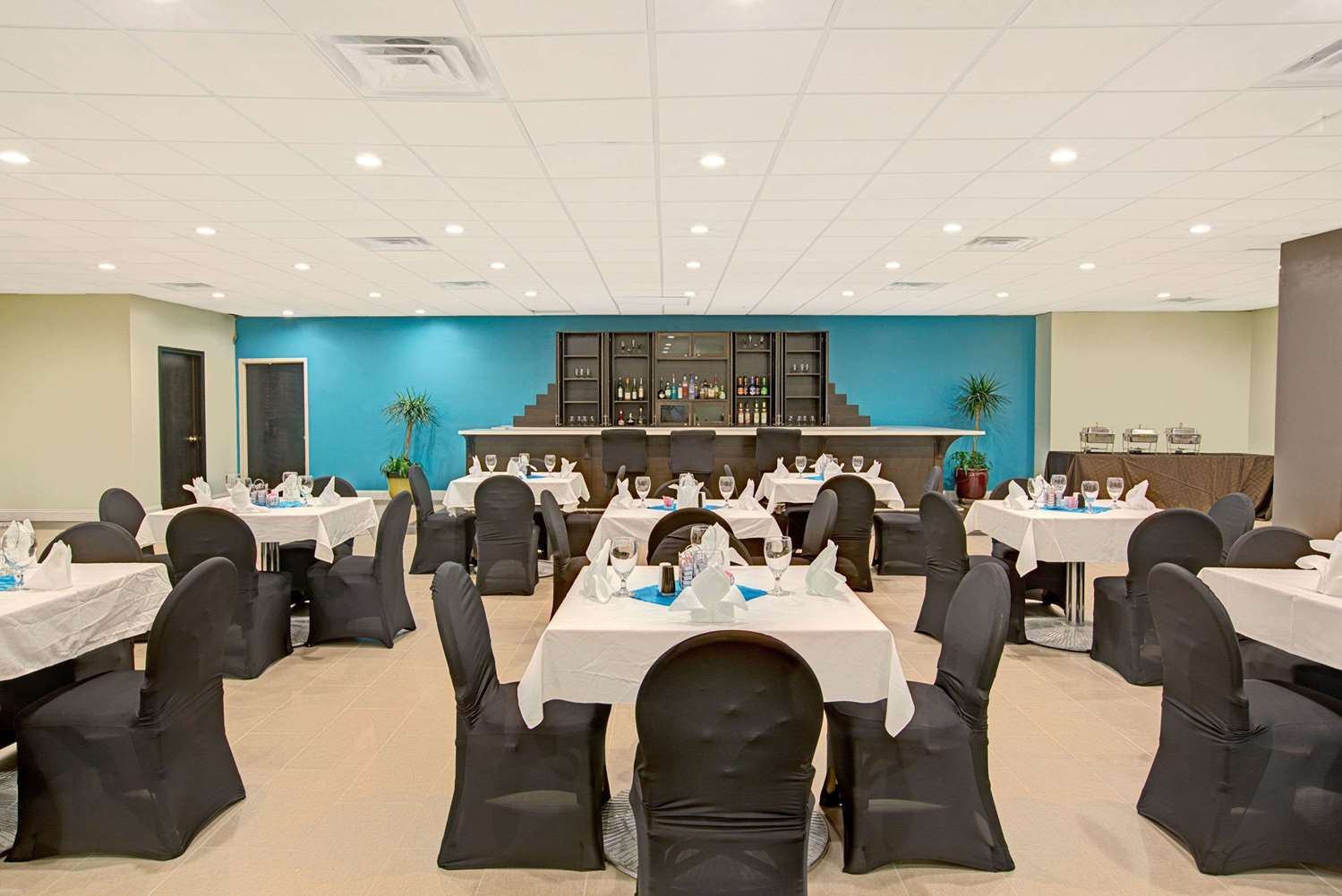 Meeting Facilities - Ramada Plaza Hotel & Conference Center Airport Charlotte