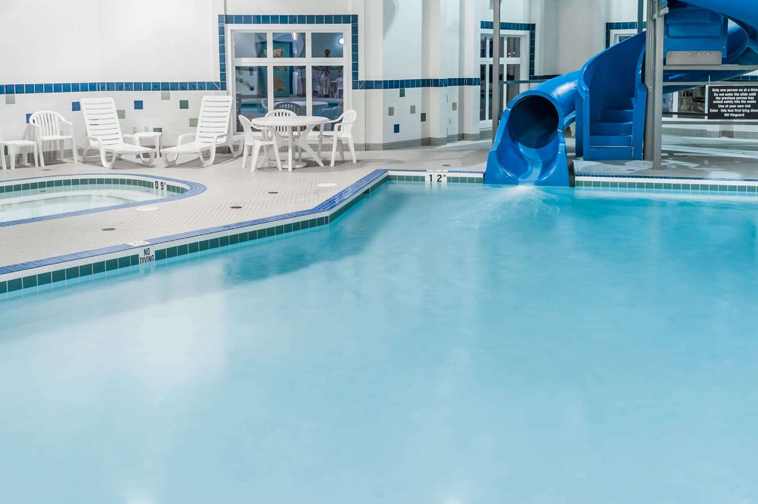 Pool - Ramada Inn High River