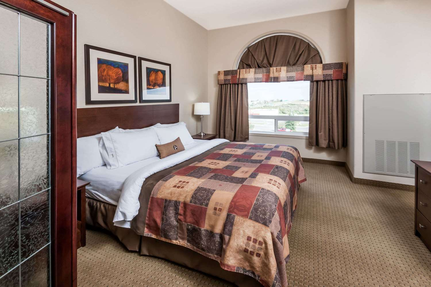 Room - Ramada Inn High River