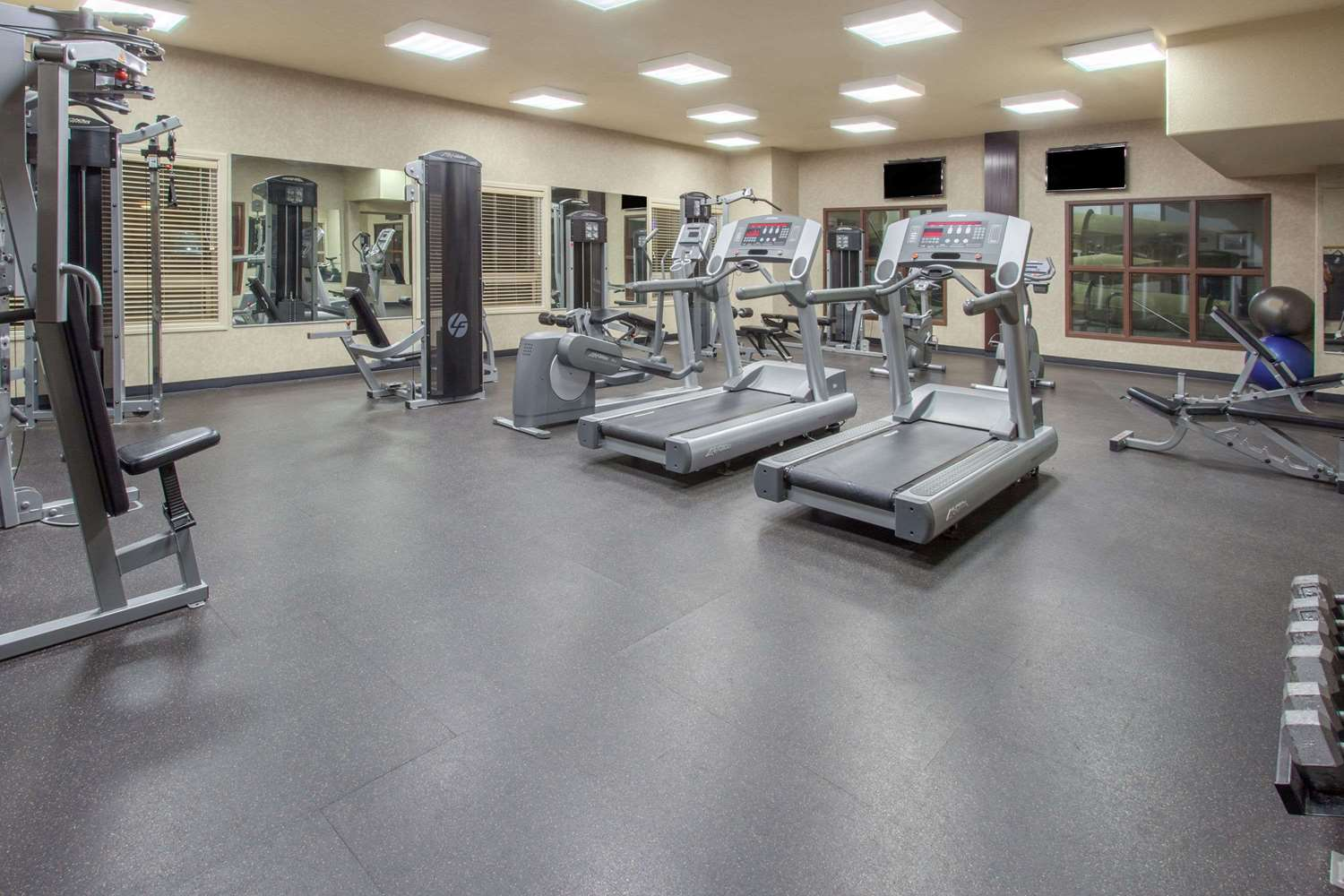 Fitness/ Exercise Room - Ramada Inn Camrose
