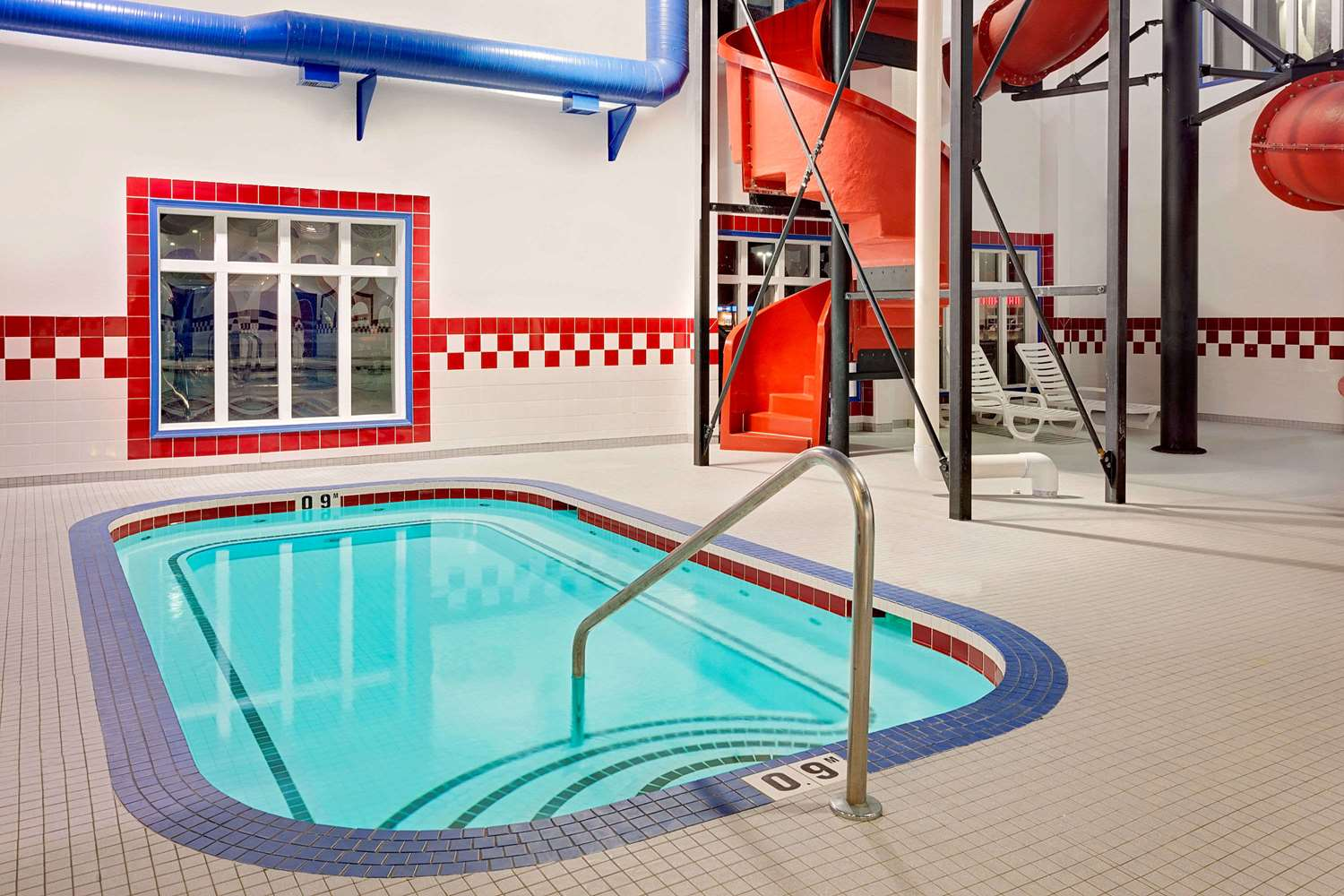 Pool - Ramada Inn Stettler
