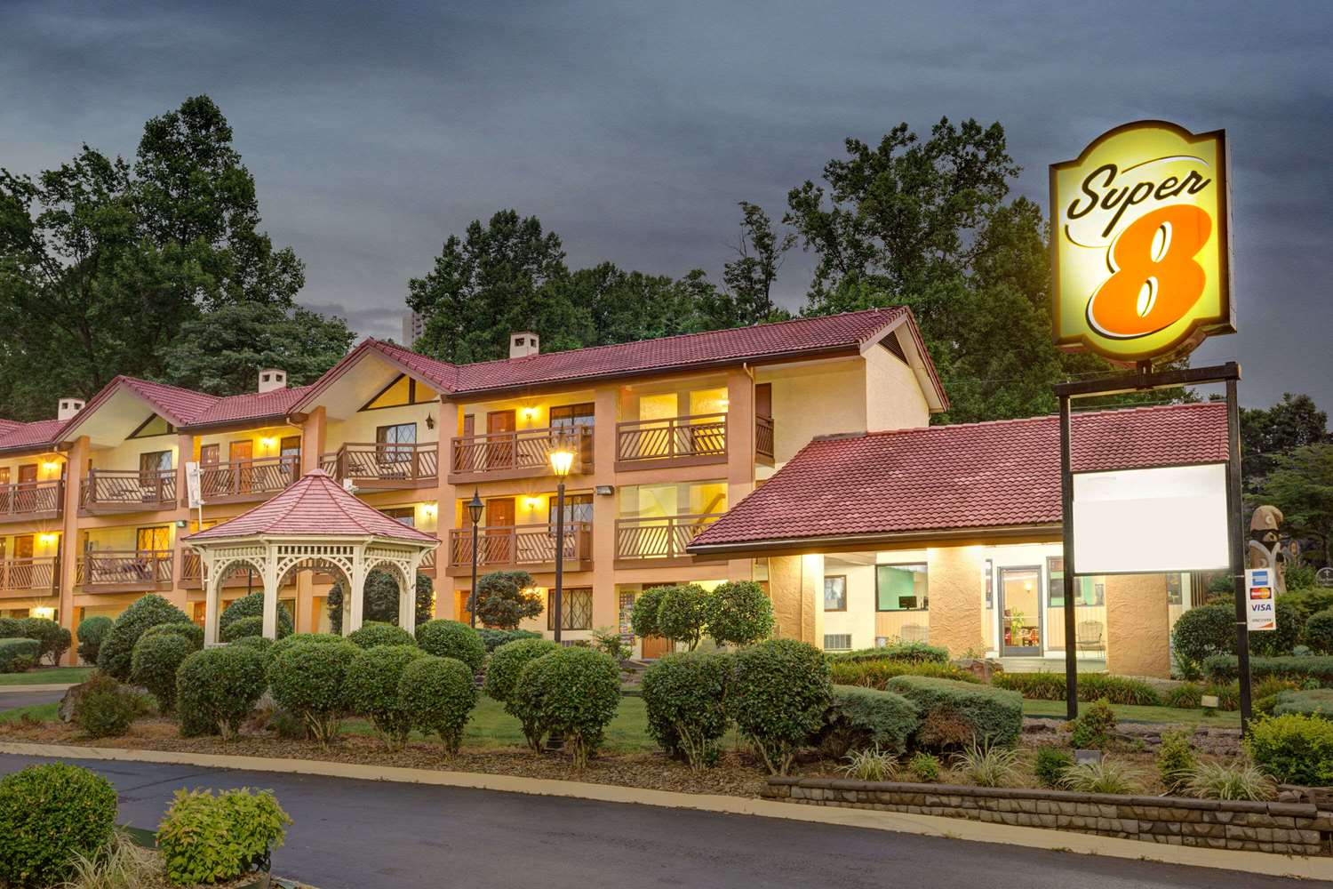 Exterior view - Super 8 Hotel Downtown Gatlinburg