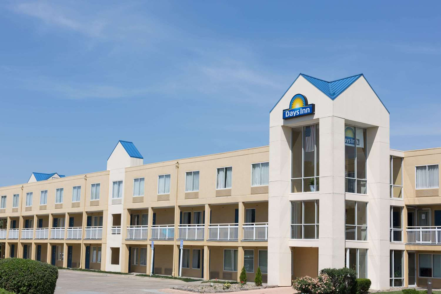 Exterior view - Days Inn Valley West Clive