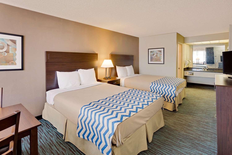 Room - Travelodge Aberdeen
