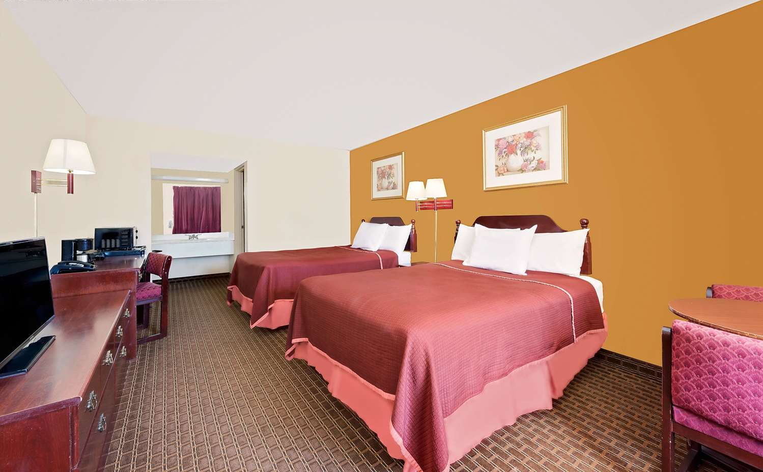 Room - Howard Johnson Inn Cleveland