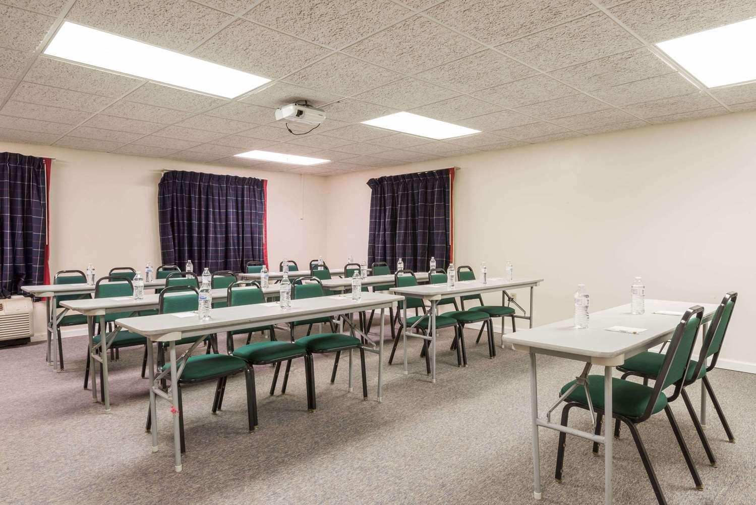 Meeting Facilities - Super 8 Hotel Miamisburg