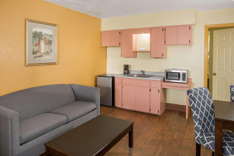 Amenities - Days Inn & Suites Port Richey