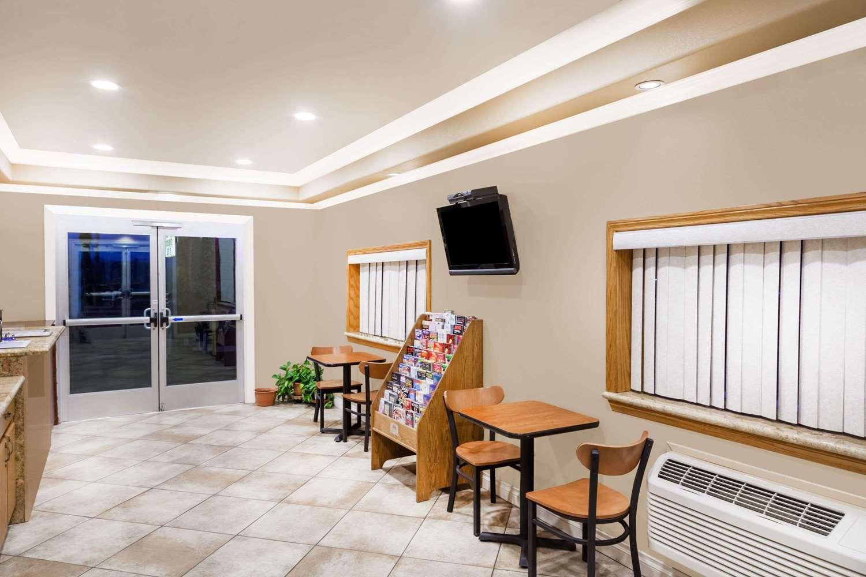 Lobby - Travelodge Barstow
