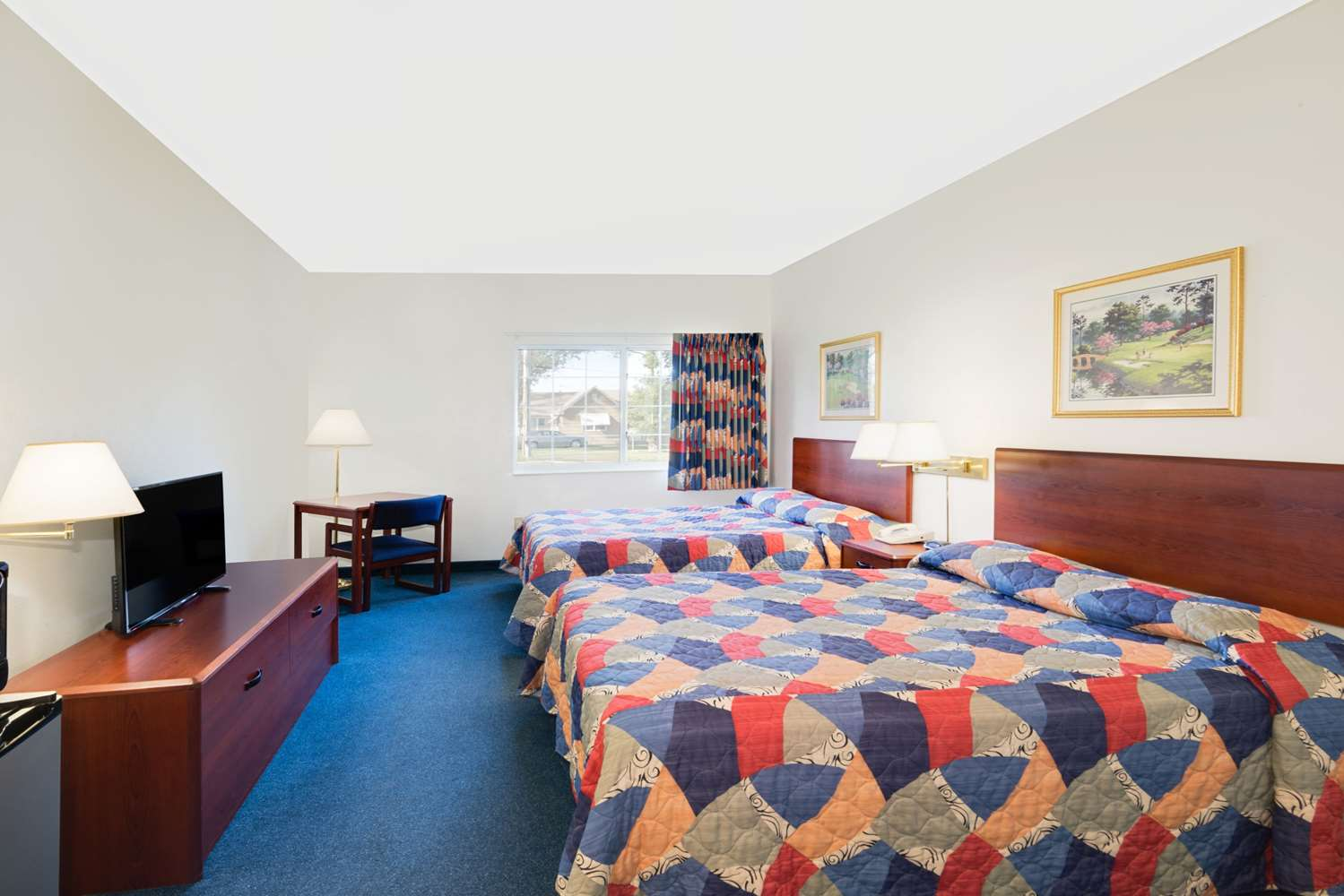 Room - Super 8 Hotel Emmetsburg