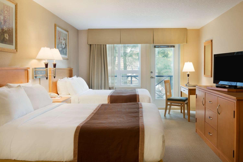Room - Ramada Inn Nanaimo