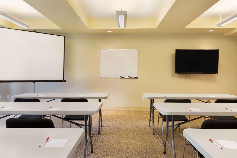 Meeting Facilities - Ramada Inn Nanaimo